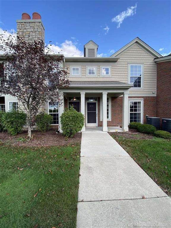 52149 Naugatuck, Macomb Twp, MI 48042 (#58050058301) :: Real Estate For A CAUSE