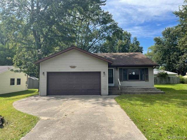 251 Orchid Blvd, Clay Twp, MI 48028 (#2210088730) :: The BK Agency