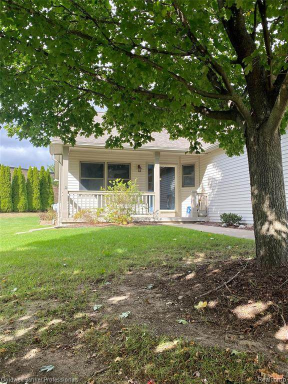 4453 Lois Lane, Genesee Twp, MI 48437 (#2210089226) :: Real Estate For A CAUSE