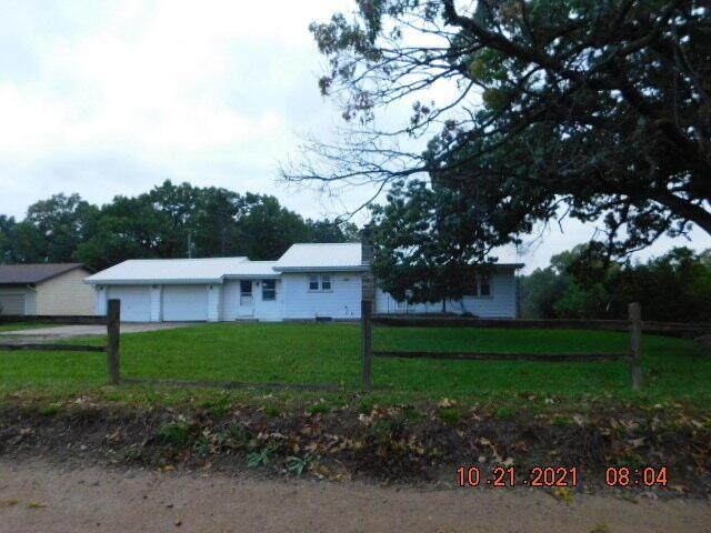 9350 Wolf Lake Road, Columbia Twp, MI 49230 (#55021112164) :: National Realty Centers, Inc