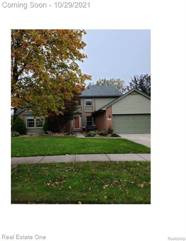 46500 Larchmont Drive, Canton Twp, MI 48187 (#2210089605) :: National Realty Centers, Inc