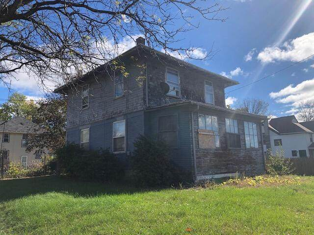 1703 Martin Luther King Jr Drive, Jackson, MI 49203 (#55021112509) :: Real Estate For A CAUSE