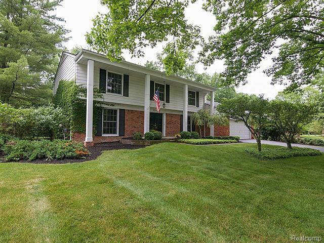 31423 Old Cannon Road, Beverly Hills Vlg, MI 48025 (#217095479) :: RE/MAX Vision