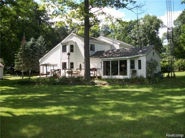 11965 Westshore, Putnam Twp, MI 48169 (MLS #218018170) :: The Toth Team