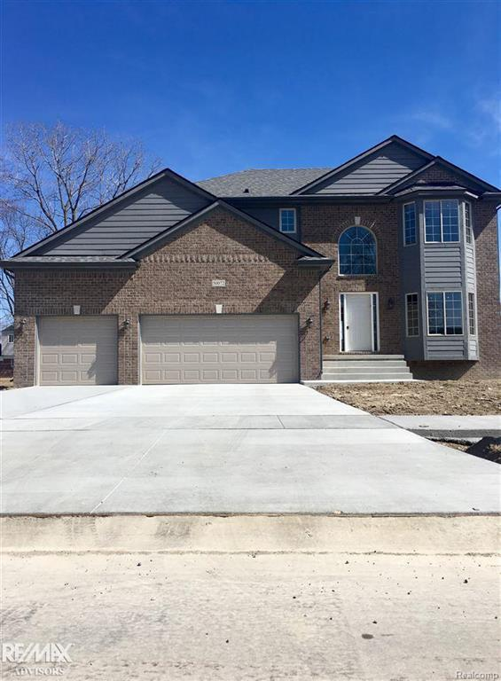 50072 Oakbrooke, Chesterfield Twp, MI 48047 (MLS #58031341798) :: The Toth Team