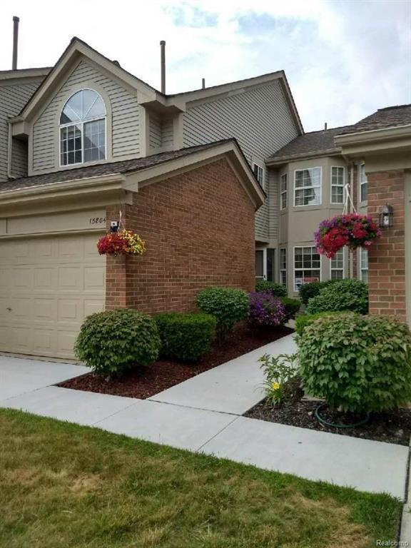 15804 Golfview Dr Boulevard, Riverview, MI 48193 (#218036794) :: RE/MAX Classic