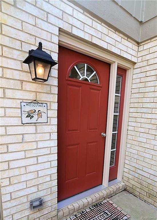 1199 Oakwood Court, Rochester Hills, MI 48307 (#218040620) :: RE/MAX Classic