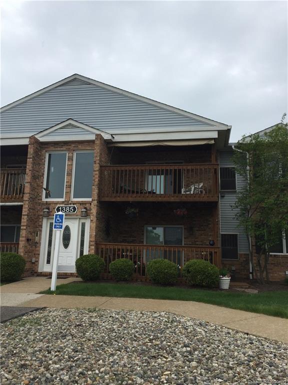1385 Harbour Boulevard, Trenton, MI 48183 (#218044367) :: Duneske Real Estate Advisors