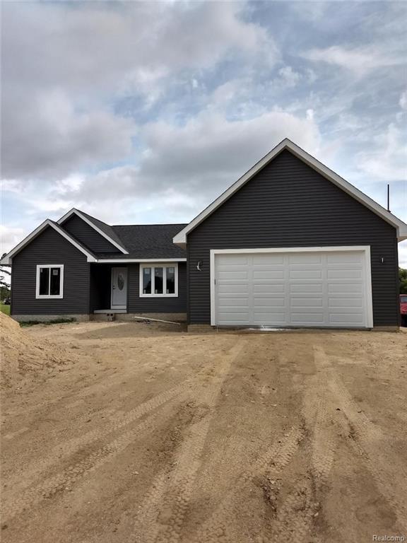 8800 Stow Road, Conway Twp, MI 48892 (#218072702) :: Duneske Real Estate Advisors