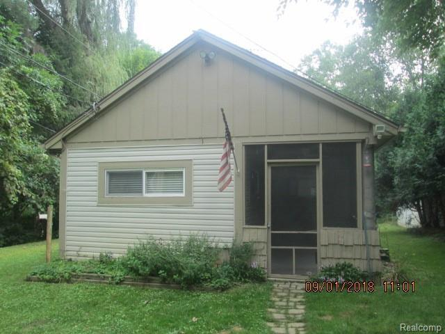 5522 Langlois, West Bloomfield Twp, MI 48322 (#218073112) :: RE/MAX Classic