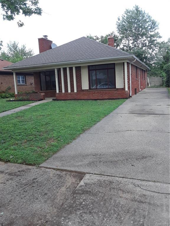 5662 Hubbell Street, Dearborn Heights, MI 48127 (#218074267) :: RE/MAX Classic