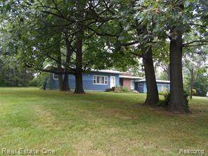 7201 Sashabaw Road, Independence Twp, MI 48348 (#218081601) :: BestMichiganHouses.com