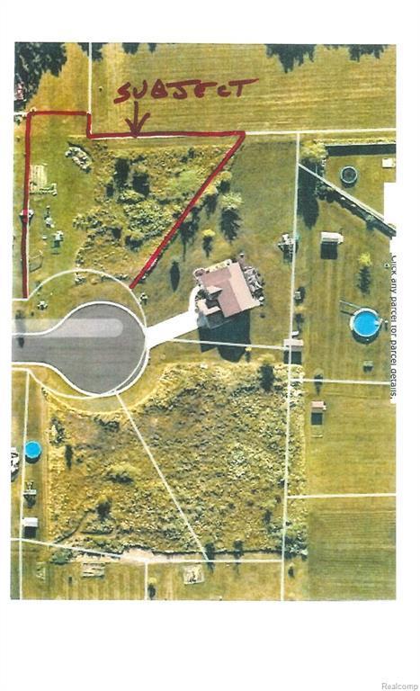 7104 Timberline Drive, Mundy Twp, MI 48507 (MLS #218082360) :: The Toth Team