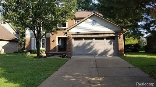 15017 Cadillac, Shelby Twp, MI 48315 (MLS #218085852) :: The Toth Team
