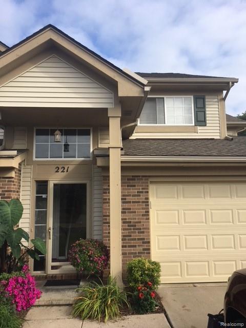221 N Vista, Auburn Hills, MI 48326 (#218095772) :: The Buckley Jolley Real Estate Team