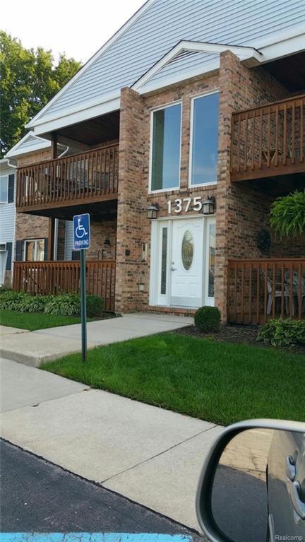 1375 Harbour Boulevard #127, Trenton, MI 48183 (#218102384) :: RE/MAX Classic