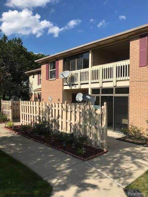61296 Greenwood Drive, South Lyon, MI 48178 (#218106711) :: Duneske Real Estate Advisors