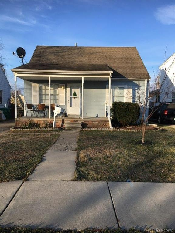 6127 Helen Street, Garden City, MI 48135 (#218115590) :: RE/MAX Nexus