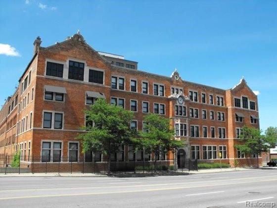 6533 E Jefferson #313 Avenue #313, Detroit, MI 48207 (#219012657) :: The Buckley Jolley Real Estate Team