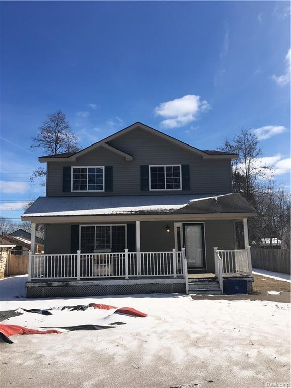 6192 Hillsboro Road, Springfield Twp, MI 48350 (#219017907) :: The Buckley Jolley Real Estate Team