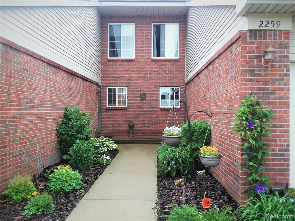 2259 Crystal Crossing Drive - Photo 1