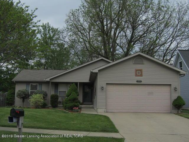 1925 Bowker Drive, Lansing, MI 48911 (MLS #630000236702) :: The Toth Team