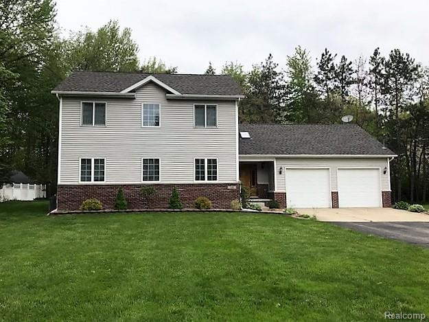 7188 Mather Street Street, Waterford Twp, MI 48327 (MLS #219047100) :: The Toth Team