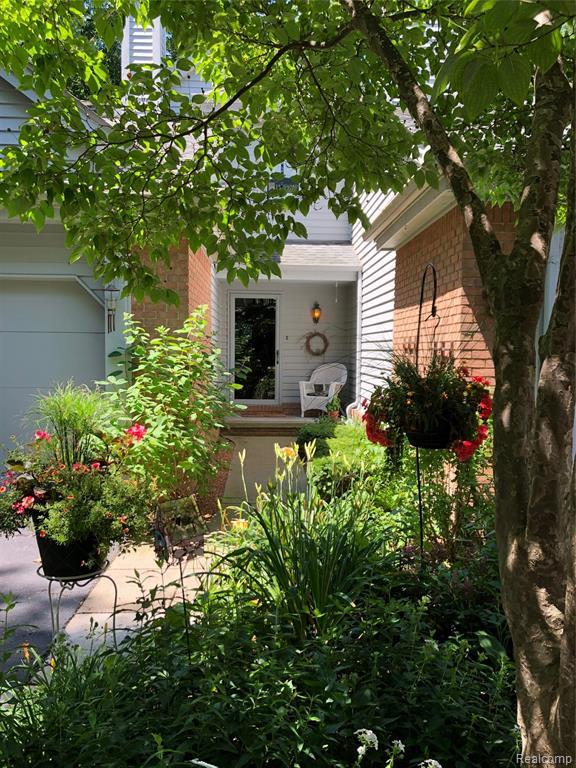 5025 Timberway Trail #68, Independence Twp, MI 48346 (#219065292) :: The Alex Nugent Team | Real Estate One