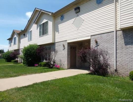 19561 Spagnuolo  Ln Lane, Roseville, MI 48066 (MLS #219072076) :: The Toth Team