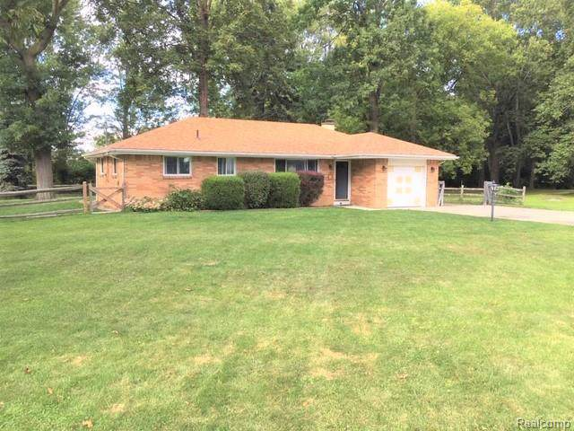 2946 Hickory Drive, Erie Twp, MI 48133 (MLS #219093020) :: The Toth Team