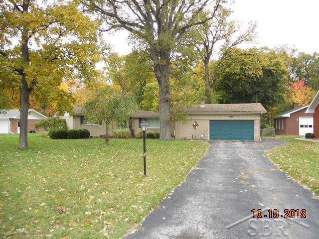 4685 Locust Rd, Saginaw Twp, MI 48604 (#61050000280) :: Team Sanford