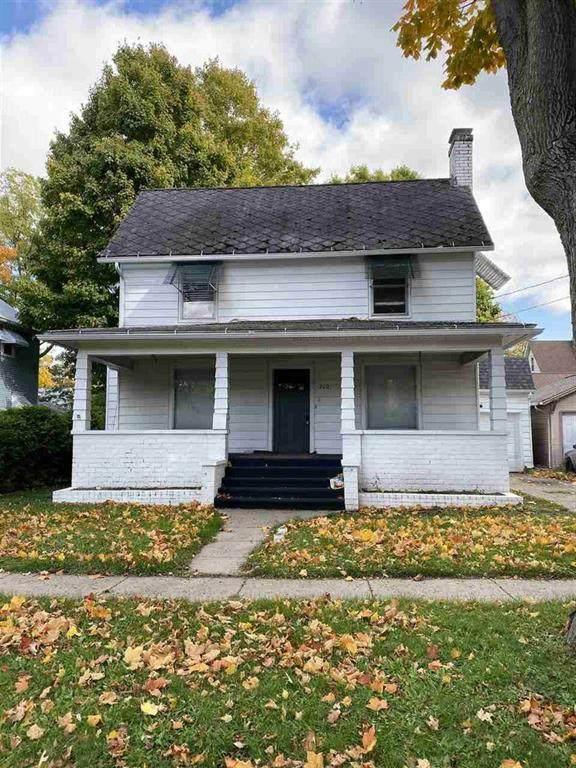 710 Adams St - Photo 1