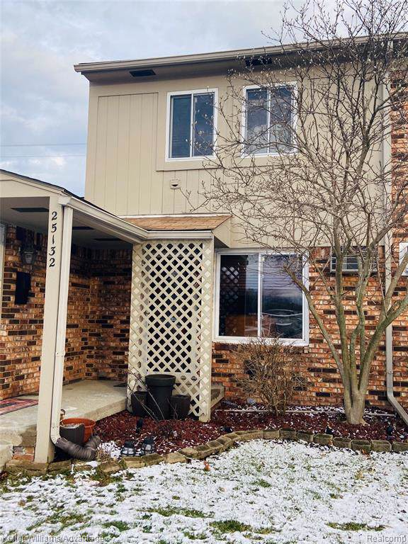 25132 Franklin Terrace #3, South Lyon, MI 48178 (#2200001757) :: Duneske Real Estate Advisors
