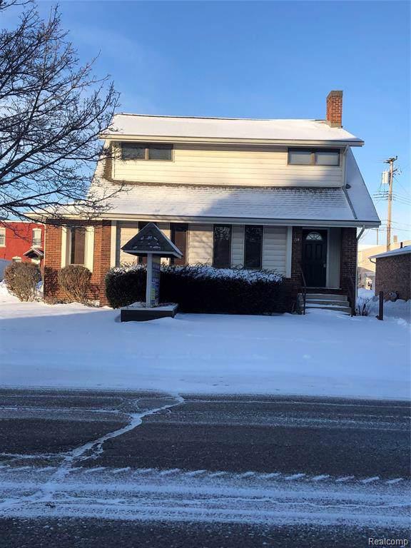 114 S 2ND Street, Fowlerville Vlg, MI 48836 (#2200004633) :: The Buckley Jolley Real Estate Team