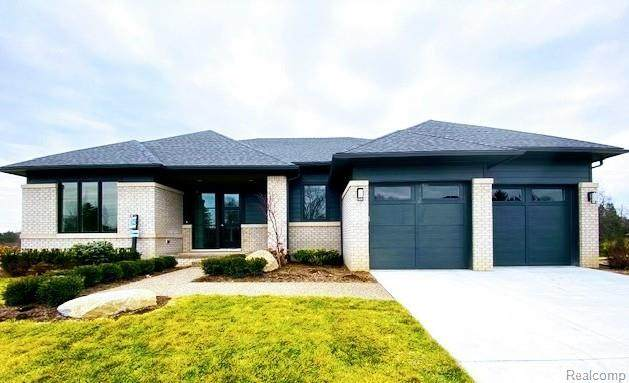 7310 Meadowlake Hills Drive, Bloomfield Twp, MI 48301 (#2200004789) :: GK Real Estate Team