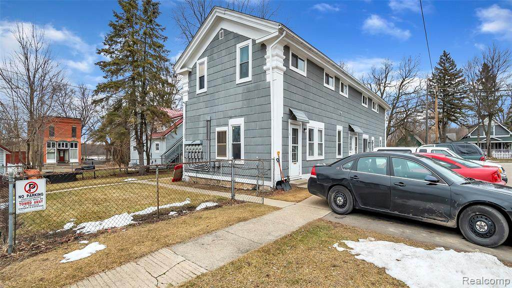4512 Middle Street - Photo 1