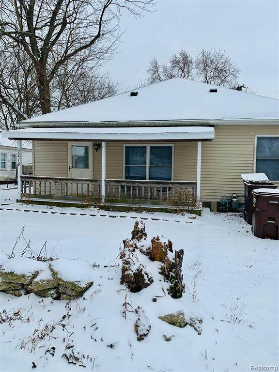 3214 Elmwood Street, Frenchtown Twp, MI 48162 (#2200008526) :: Alan Brown Group