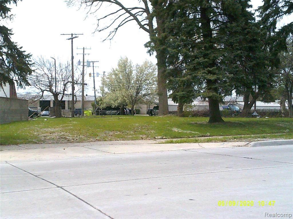 19030 Common Road - Photo 1