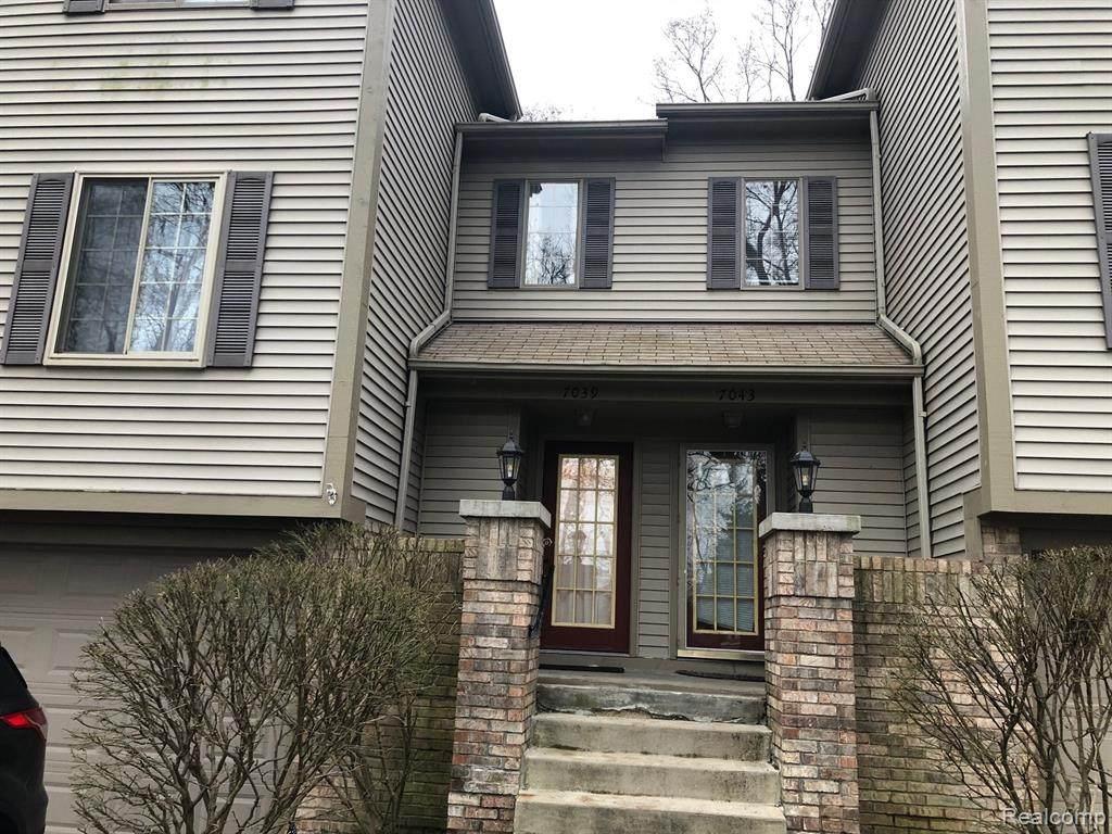 7039 Colonial Oaks Drive - Photo 1