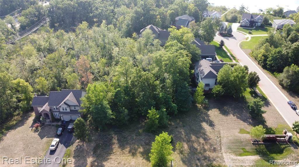 1390 Oxbow Lake Road - Photo 1