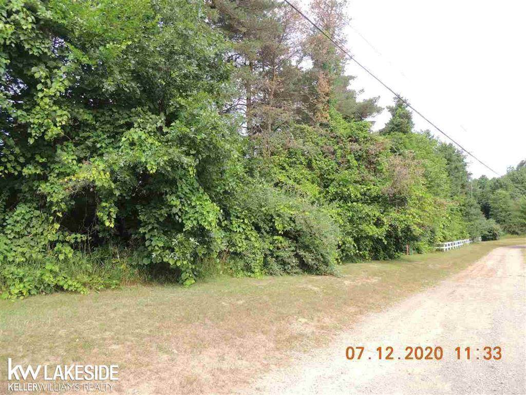 960 Rochester Road - Photo 1