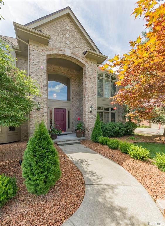 47179 Red Oak Drive, Northville Twp, MI 48168 (#2200061089) :: The Alex Nugent Team | Real Estate One