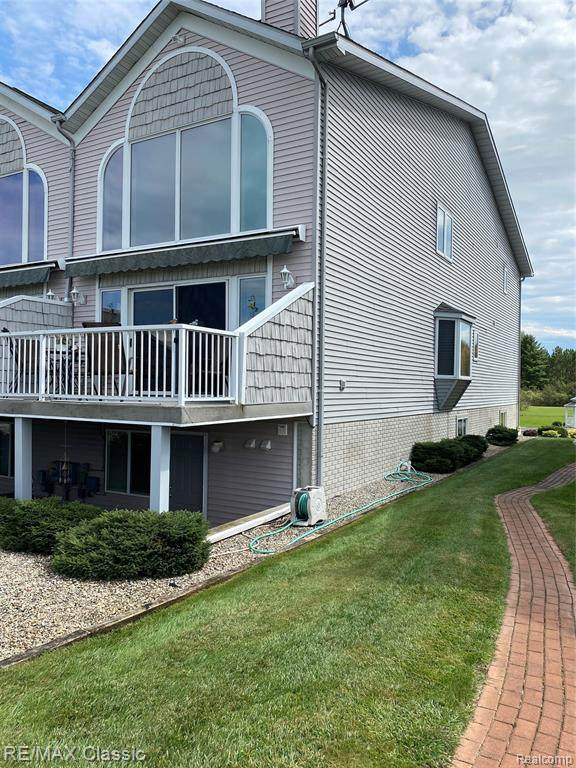 1724 Castleview, Butman Twp, MI 48624 (#2200073278) :: The Mulvihill Group