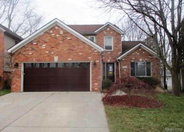 2327 Beechwood Drive, Royal Oak, MI 48073 (#2200073771) :: Duneske Real Estate Advisors