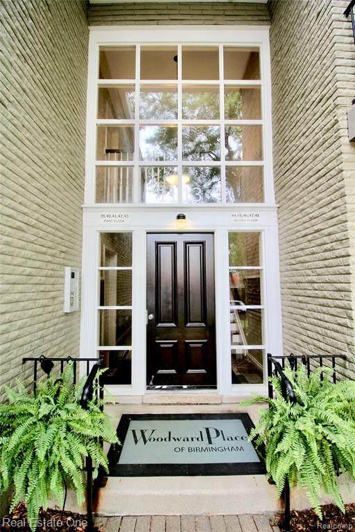 1113 N Old Woodward Ave #45, Birmingham, MI 48009 (#2200074099) :: Novak & Associates