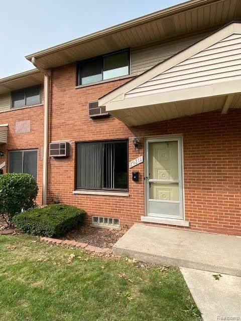 29211 Tessmer Court, Madison Heights, MI 48071 (#2200075992) :: Novak & Associates
