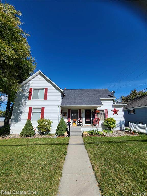 6394 Morris Street, Marlette, MI 48453 (#2200082709) :: Keller Williams West Bloomfield