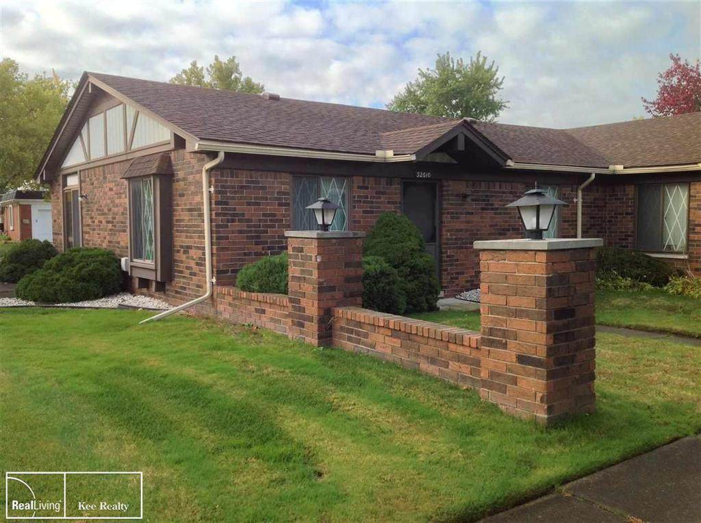 32610 Meadowbrook - Photo 1