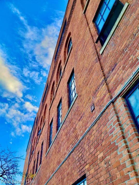 6533 Jefferson Avenue - Photo 1