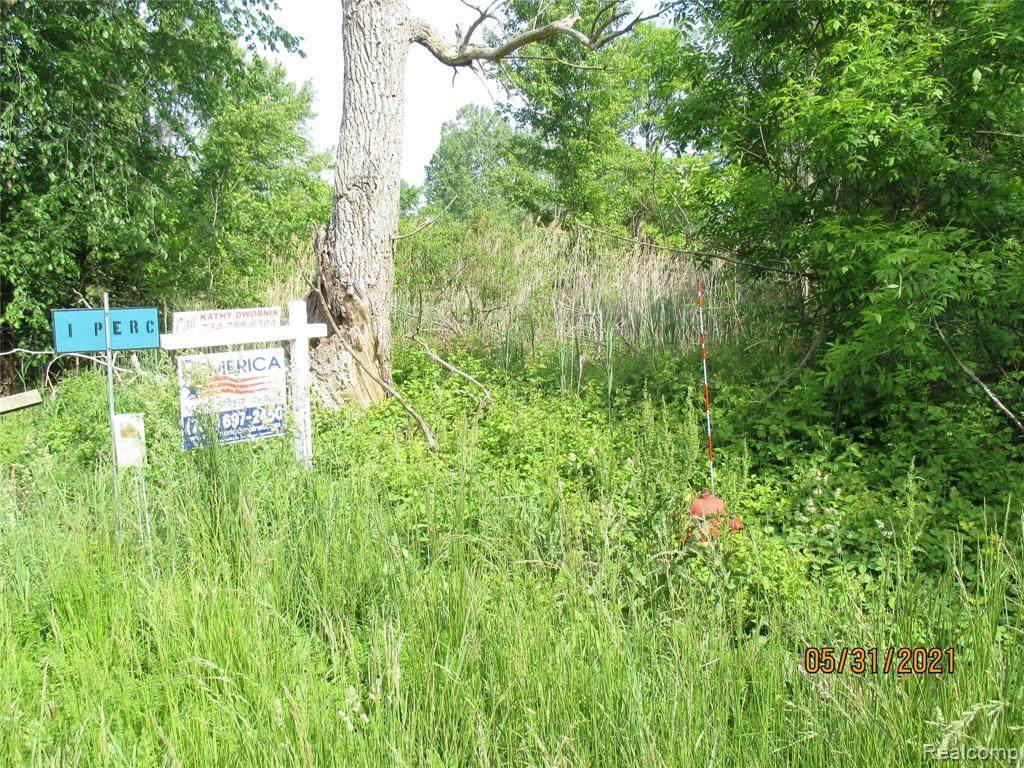5622 Oakville Waltz Road - Photo 1